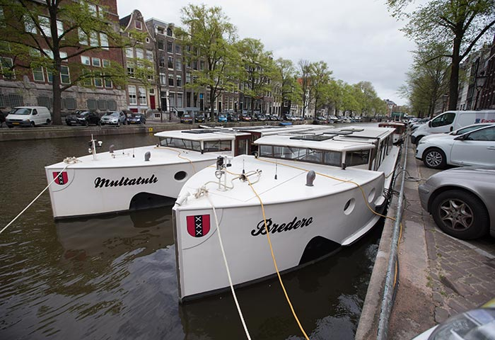 Partyschepen in Amsterdam