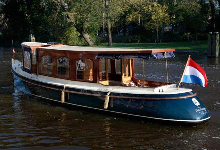 Meeting op het water in Amsterdam