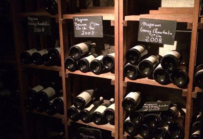 Wijn proeven op locatie met collega